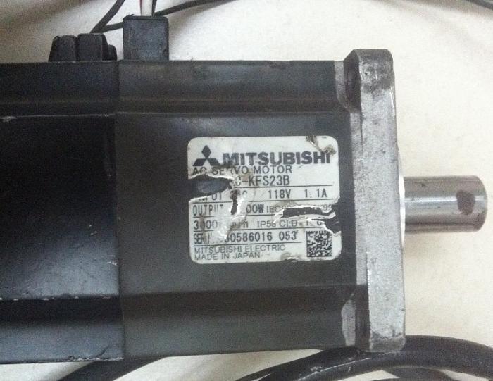 Click vào ảnh để xem ảnh lớn hơn.  Name:Mitsubishi Servo 200-1.jpg Views:1 Size:175.7 KB ID:9460