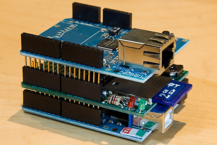 Click vào ảnh để xem ảnh lớn hơn.  Name:arduino-web-server.thumb.jpg Views:149 Size:179.2 KB ID:5539